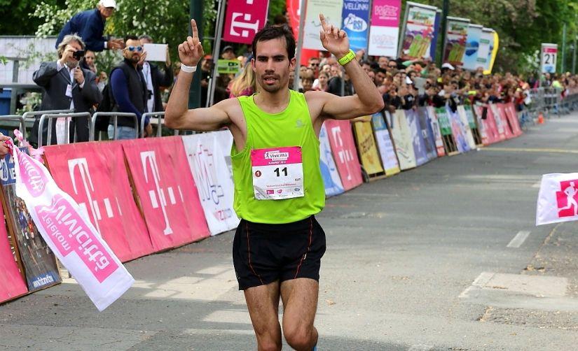 Csere Gáspár magyar bajnok lett a Budapest Félmaratonon (videó)
