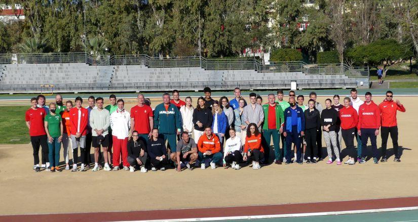 Megérkeztek a magyar atléták az edzőtáborba   Atletika.hu